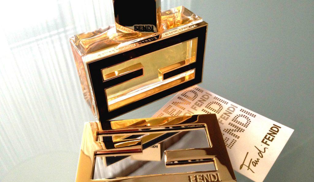 tasche oder parfum am besten beides fan di fendi beautystories beautystories. Black Bedroom Furniture Sets. Home Design Ideas