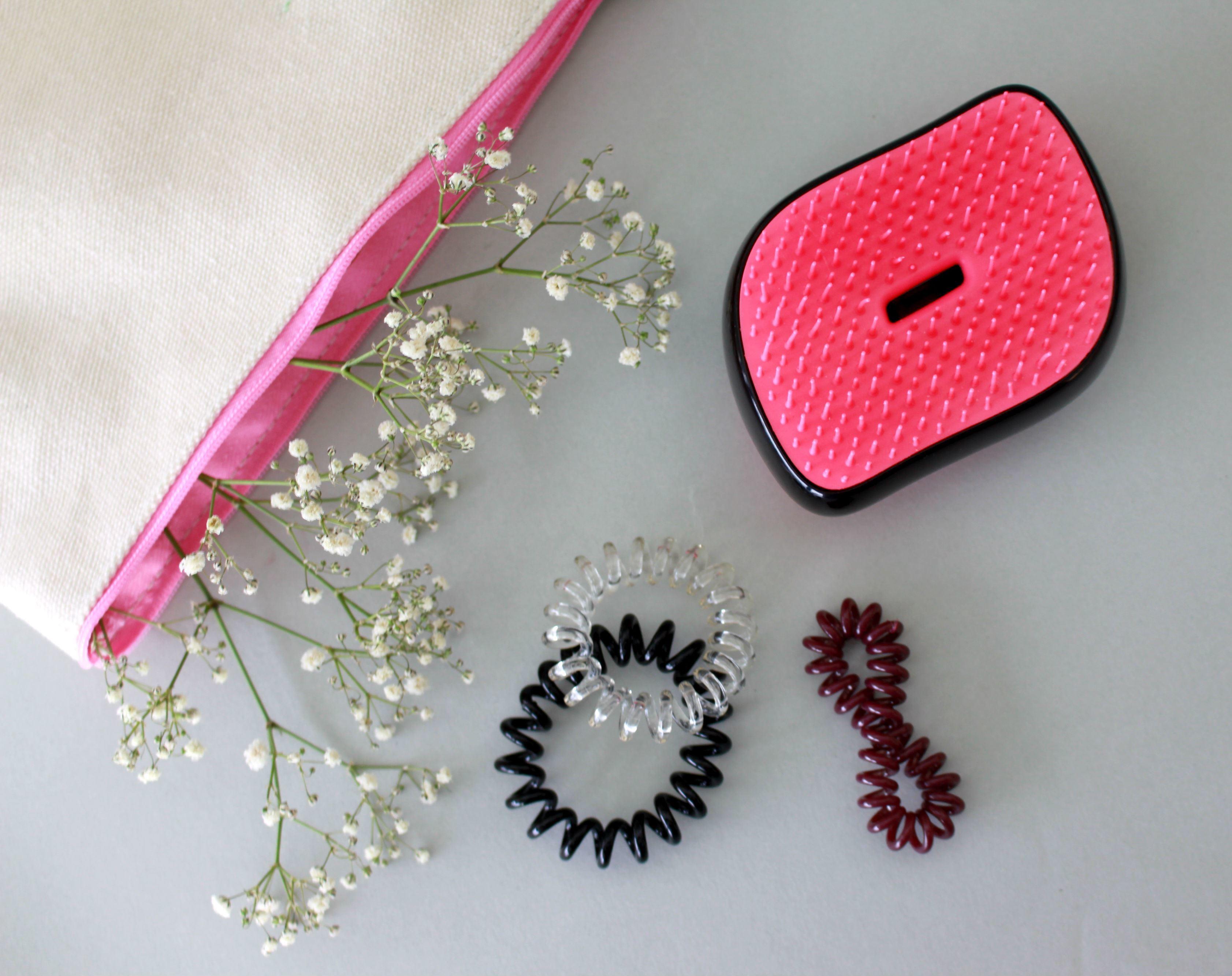 Invisibobble-und-Tangle-Teezer-helfen-die-Haare-wieder-zu-bändigen
