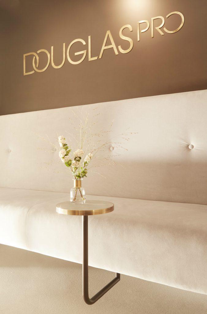 """Willkommen im neuen """"Douglas PRO""""-Store: das Design"""