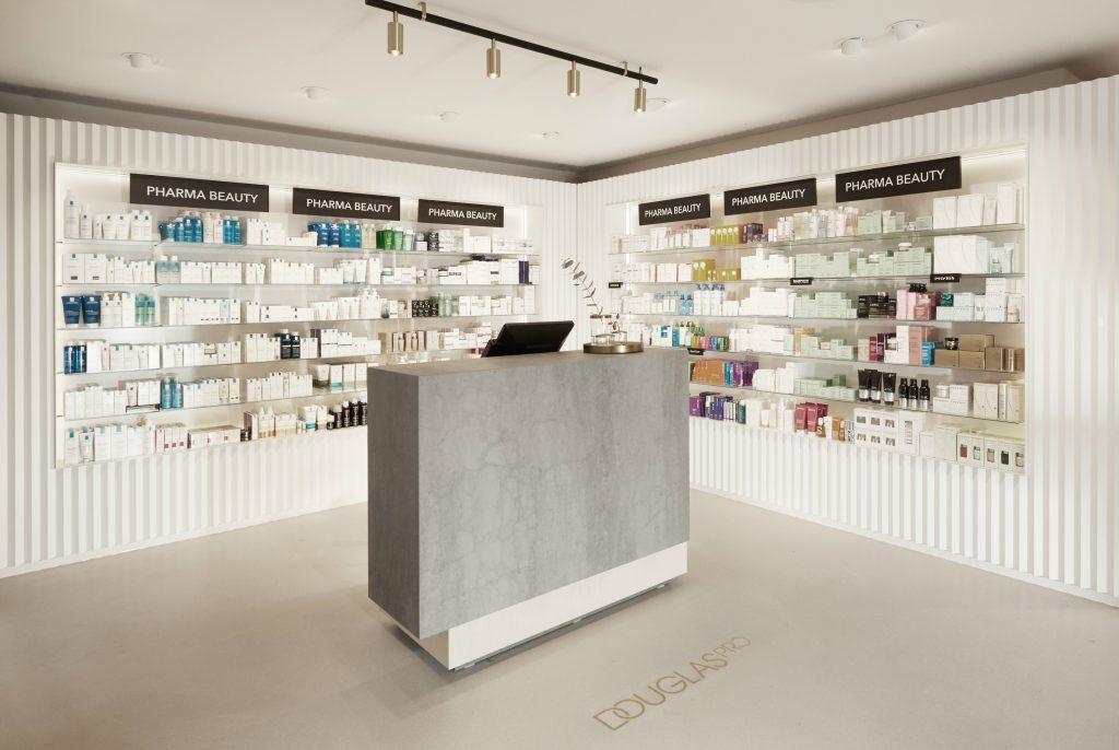 "Willkommen im neuen ""Douglas PRO""-Store: Pharma Beauty"